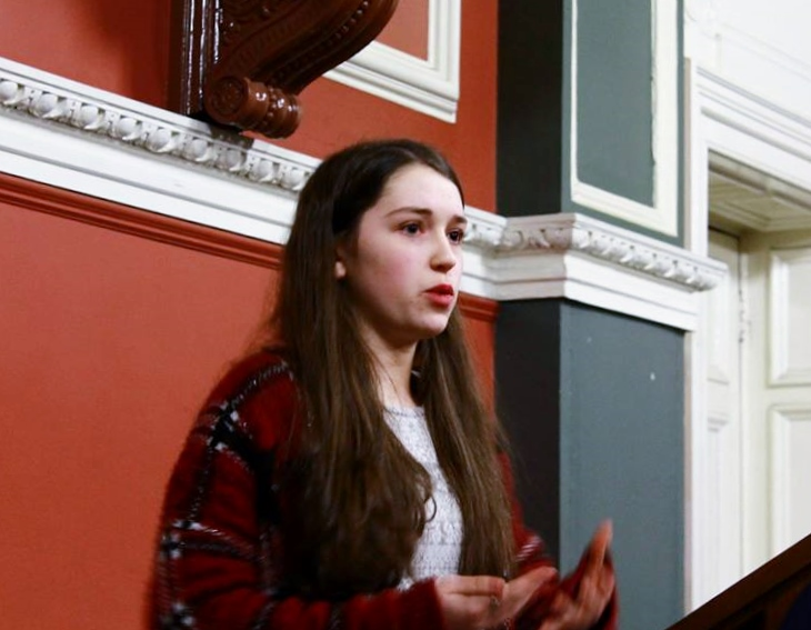 Thérése Kearns in action at the final the Philosophical Society's Pro-Am Debates in Trinity College